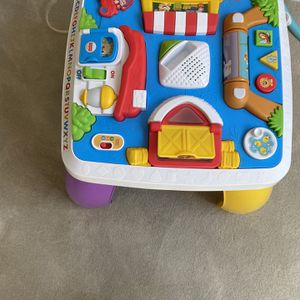 Free! Toddler Activity Tabble. for Sale in Redondo Beach, CA