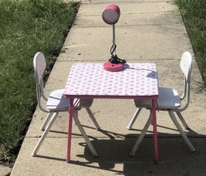 Small table and chairs for Sale in Alexandria, VA