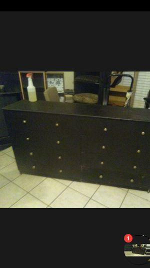 8 drawer dresser for Sale in Cathedral City, CA