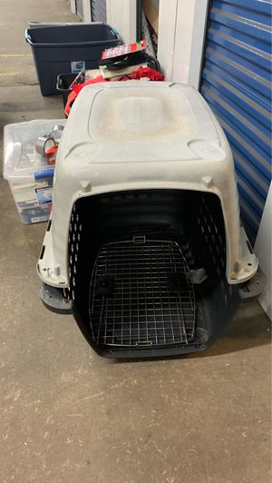 Dog crate FREE if picked up by 2pm for Sale in Philadelphia, PA