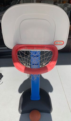 Little Tikes Basketball Hoop w/Ball for Sale in Corona, CA