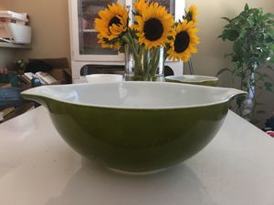 Vintage Pyrex for Sale in Pineville, NC
