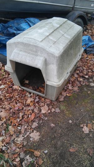 Petmate Dog House 25$ for Sale in Cuyahoga Falls, OH