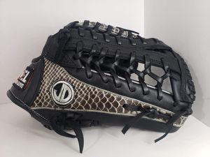 Baseball softballl Gloves for Sale in Los Angeles, CA