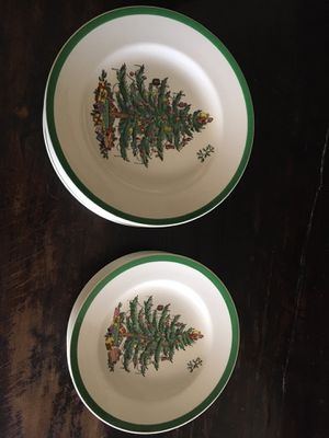 spode christmas tree plate set with lenox cake pedestal for Sale in West Covina, CA