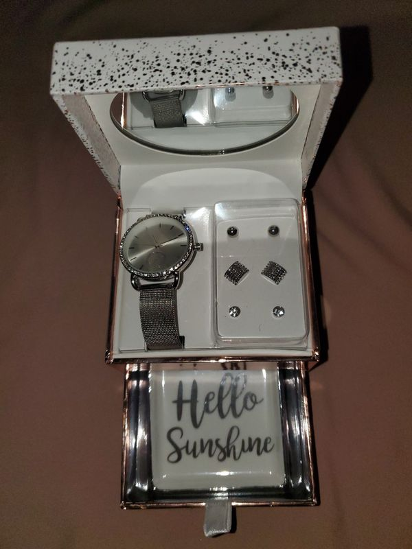 Jessica Carlyle Watch Set! Bought at Macys! NEW! WILL DELIVER WITH SAFETY PRECAUTIONS