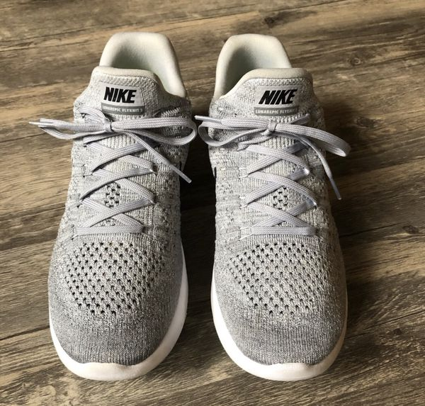 56cf09e07cdad Nike Lunarepic Low flyknit 2 Women s Sneakers for Sale in Puyallup ...