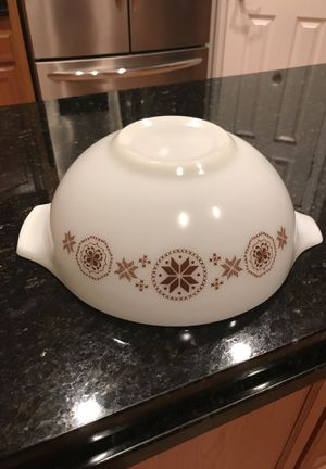 vintage Pyrex 4 quart Nesting bowl town and country for Sale in Port St. Lucie, FL