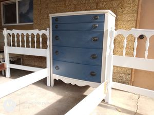 Stunning 5 Drawer Federal Dresser for Sale in Salt Lake City, UT