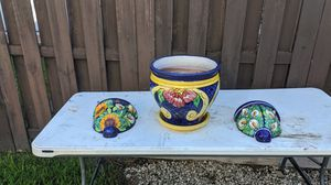 3 Mexican flowers pots for Sale in Miami, FL