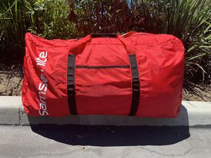 "30"" large samsonite duffle bag red packable for Sale in San Diego, CA"