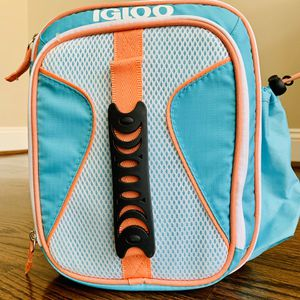 Igloo Lunch Box - Vertical Cooler Bag for Sale in Houston, TX