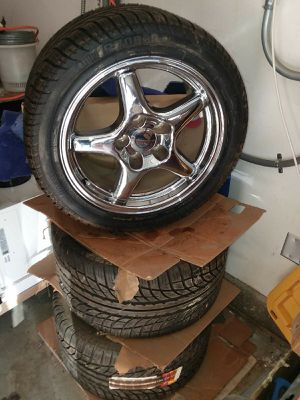 Pirelli tires with 17in rims for Sale in Riverside, CA