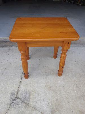Side table for Sale in Jupiter, FL