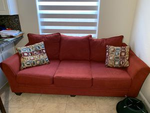 sofa and love seat for Sale in Hialeah, FL