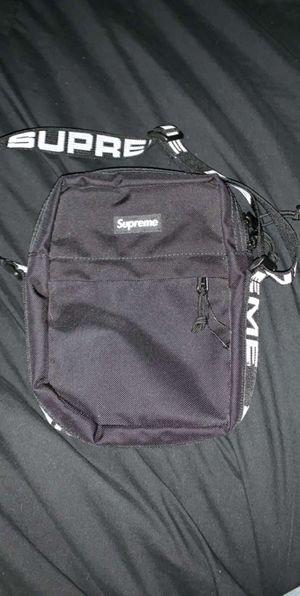 SUPREME Cross body bag for Sale in Streetsboro, OH