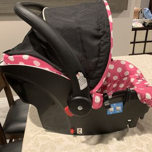 Disney Minnie Mouse Infant Car Seat. No Base for Sale in Las Vegas, NV