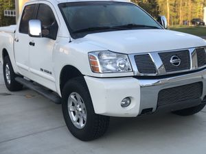 2005 Nissan Titan LE 4x4 (king cab) for Sale in Alexandria, VA