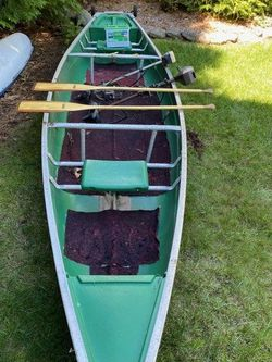 1986 Coleman Canoe w/ (2) Paddles .Seats 2 Additional Seat Can Be Added . for Sale in Ramsey,  NJ