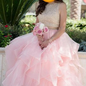 PROM/QUINCEANERA DRESS for Sale in North Las Vegas, NV