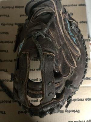 Mizuno Fastpitch softball catchers glove for Sale in Los Angeles, CA