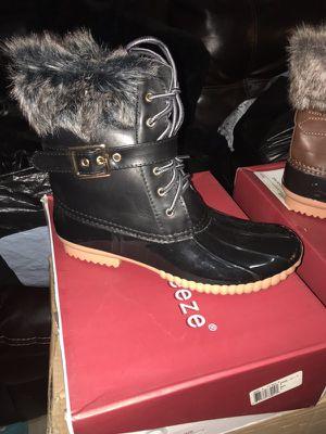 Women's boots for Sale in Hialeah, FL