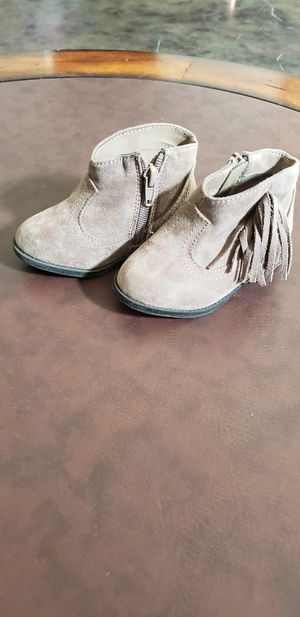 New toddler girls size 5 fringe boots for Sale in Collinsville, OK