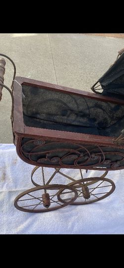 Vintage Doll Stroller - Antique Baby Carriage for Sale in Downey,  CA