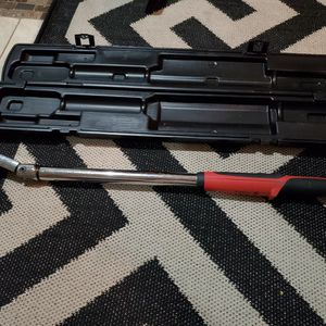 Torque Wrench 25 To 250 Pounds for Sale in Woodbridge, VA