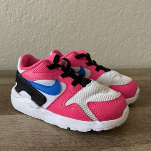 Toddler Girls Nike LD Victory (Size 7C) for Sale in Fresno, CA