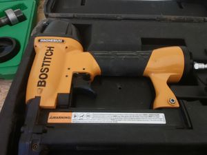 New Botisch nail gun with case for Sale in Grandview, MO