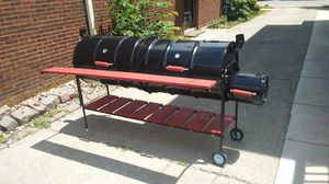 BBQ GRILL/ Smoker MAKE MONEY JUST FOR REFERRALS TELL A FRIEND MAKE MONEY FOR EACH SALE for Sale in Chicago, IL