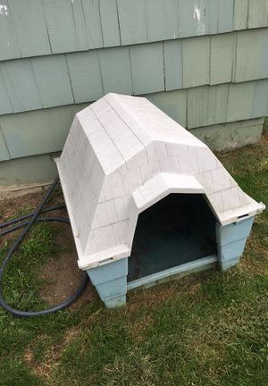 Medium large dog house for Sale in Everett, WA