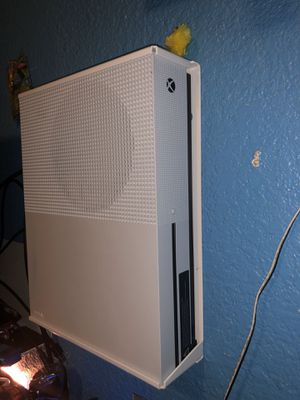 Xbox One S with wall mount for Sale in Redwood City, CA
