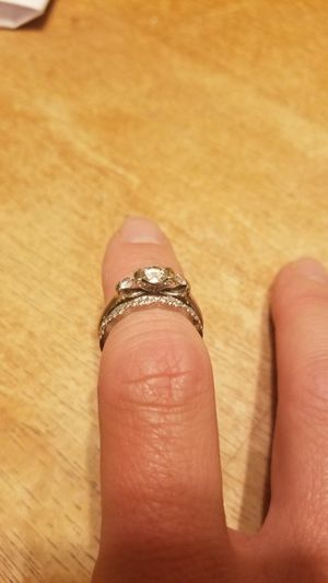 Engagement ring (size 5) and wedding band (size 5.5) for Sale in Sudley Springs, VA