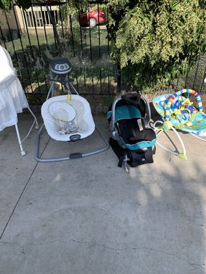 SWINGER FOR SALE!!!! BABY CAR SEAT WITH BASE!!!!!!!!! for Sale in Forest Hill, TX