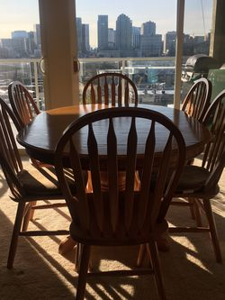 Solid Oak Wood Dining Set w/6 Chairs for Sale in Bellevue,  WA