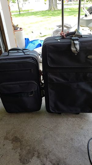 Suitcase for Sale in SELFRIDGE, MI