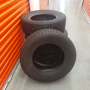 Studded Snow Tires 255/65 R17 114T XL for Sale in New London, CT
