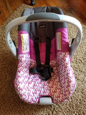 Evenflo car seat for Sale in Wauwatosa, WI