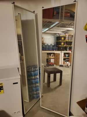 sliding mirror closet doors. 24X78. for Sale in Victorville, CA