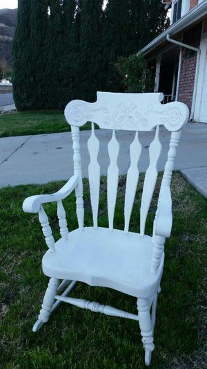Antique Rocking Chair for Sale in Lake Elsinore, CA