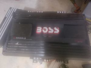amplifier boss 2000w for Sale in Las Vegas, NV