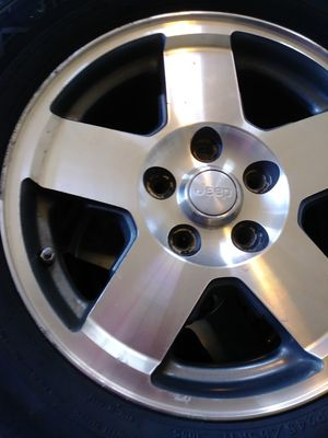 17 inch Jeep Wheels for Sale in Fort Washington, MD