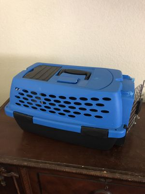 Pet crate. For small breeds. Up to 10lbs for Sale in Huntington Beach, CA
