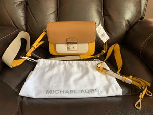 AUTHENTIC MICHEAL KORS for Sale in Buffalo, NY
