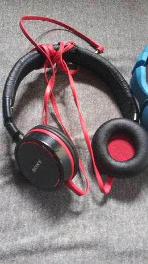 Sony, Skull candy Hesh, Phillips, and JBL headphones all with cord for Sale in Portland, OR