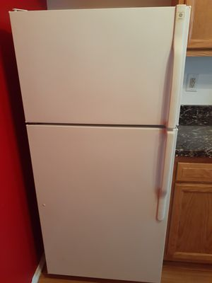 Frigidaire kitchen set for Sale in Fort Washington, MD