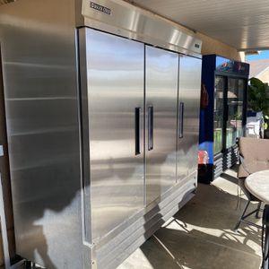 Refrigerator commercial for Sale in San Bernardino, CA