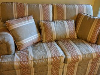 Ethan Allen Loveseat and Lounge Chair (pic coming) for Sale in Portland,  OR
